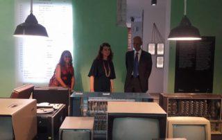 Drejtoresha e Muzeut, znj. Etleva Demollari dhe ambasadori i italian